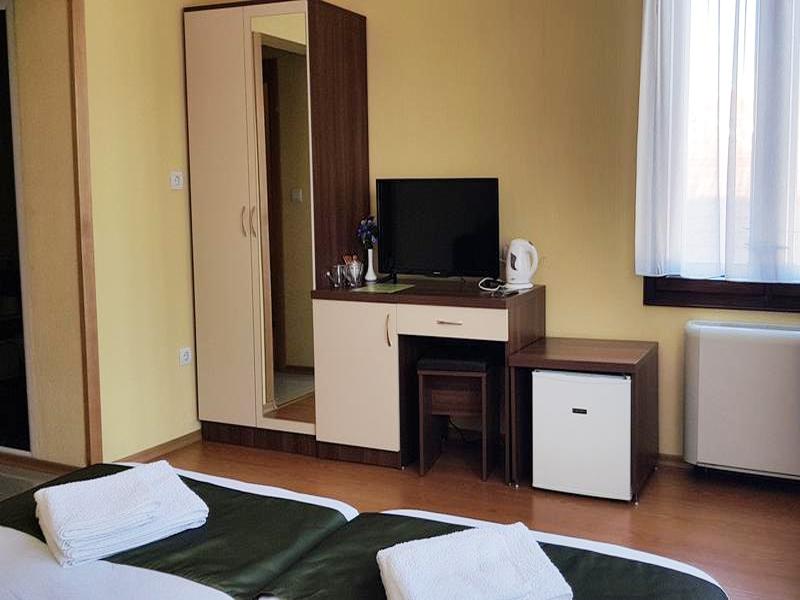 Нощувка на човек в къща за гости Скай Гардън, Велинград, снимка 3