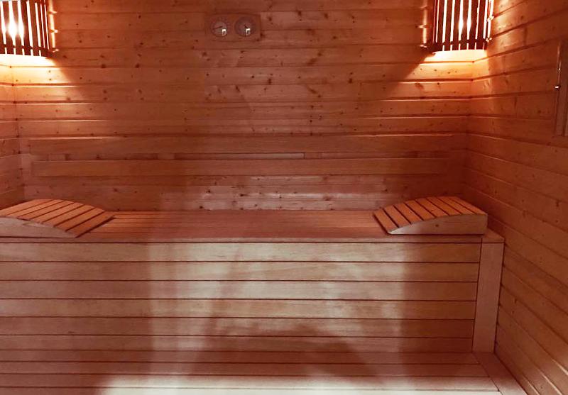 Нощувка на човек със закуска и вечеря + външен, вътрешен басейн и релакс зона в хотел Жаки, Кранево, снимка 5