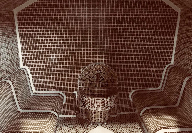 Нощувка на човек със закуска и вечеря + външен, вътрешен басейн и релакс зона в хотел Жаки, Кранево, снимка 4