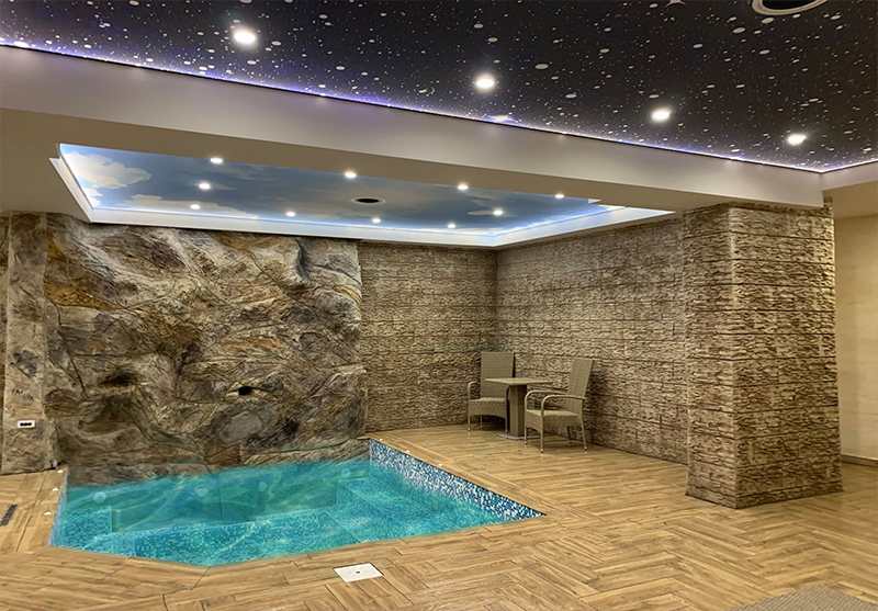 Нощувка на човек със закуска и вечеря + външен, вътрешен басейн и релакс зона в хотел Жаки, Кранево, снимка 3