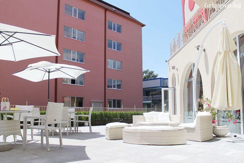 ТОП сезон в Слънчев бряг! 2+ нощувки на човек + басейн от Апарт хотел Роуз Гардън, снимка 7