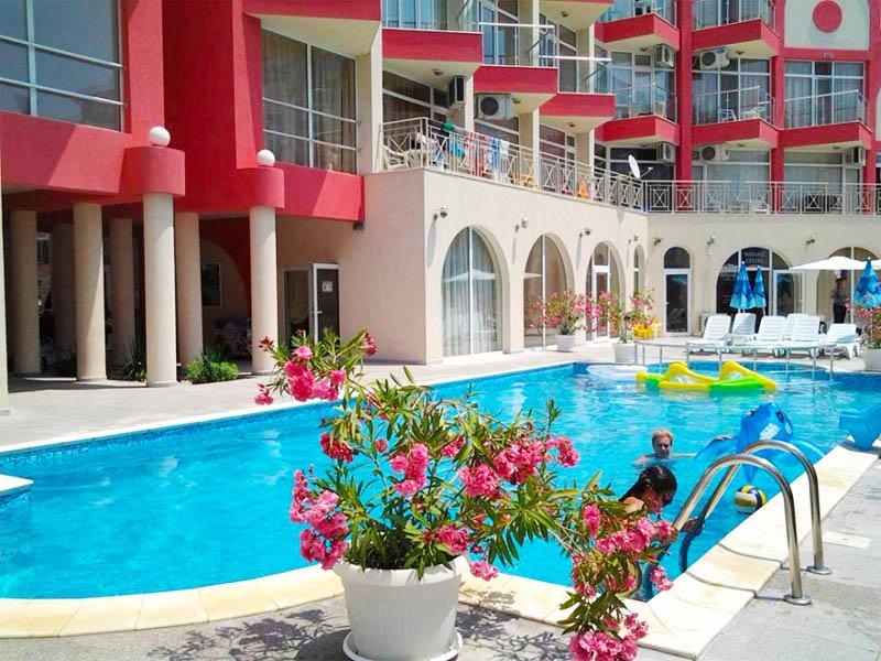 ТОП сезон в Слънчев бряг! 2+ нощувки на човек + басейн от Апарт хотел Роуз Гардън, снимка 2
