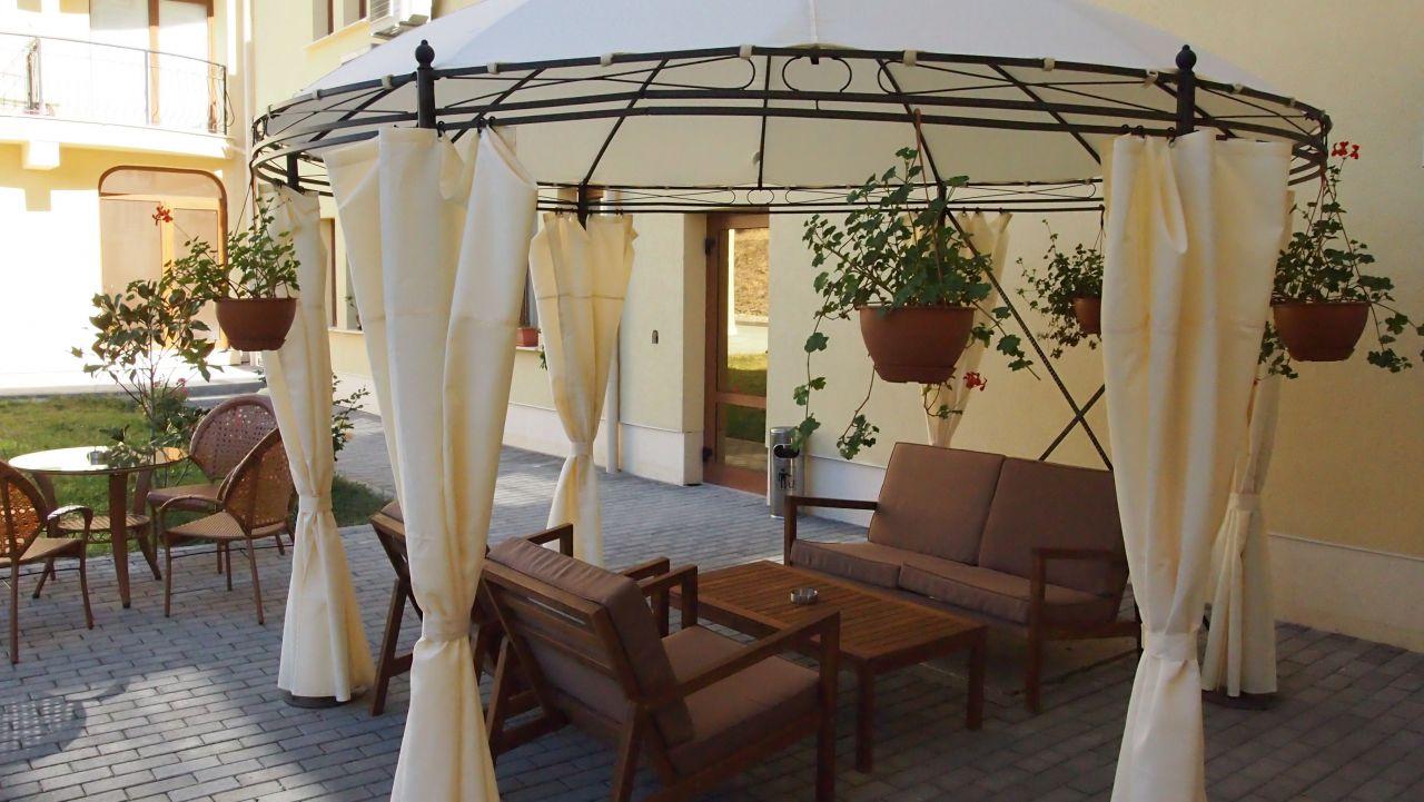 4 или 5 делнични нощувки на човек със закуски + МИНЕРАЛЕН басейн, сауна и парна баня в хотел Си Комфорт***, Хисаря, снимка 10