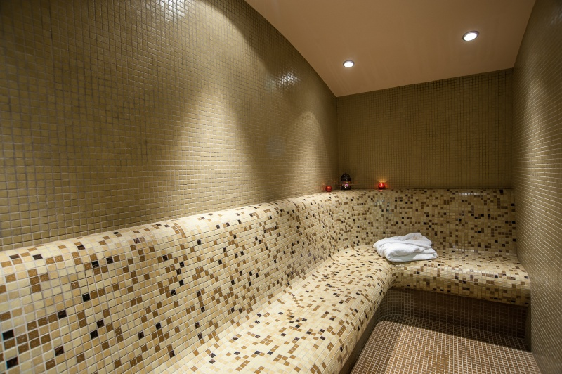 4 или 5 делнични нощувки на човек със закуски + МИНЕРАЛЕН басейн, сауна и парна баня в хотел Си Комфорт***, Хисаря, снимка 5