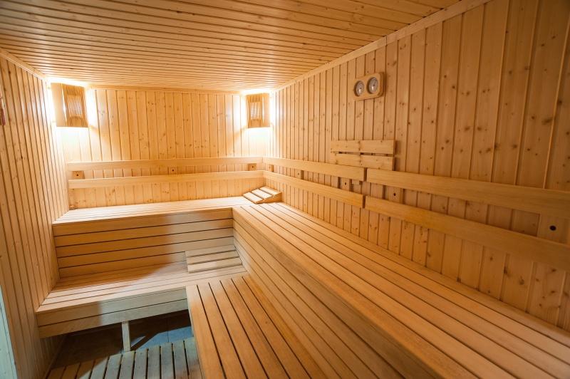 4 или 5 делнични нощувки на човек със закуски + МИНЕРАЛЕН басейн, сауна и парна баня в хотел Си Комфорт***, Хисаря, снимка 4