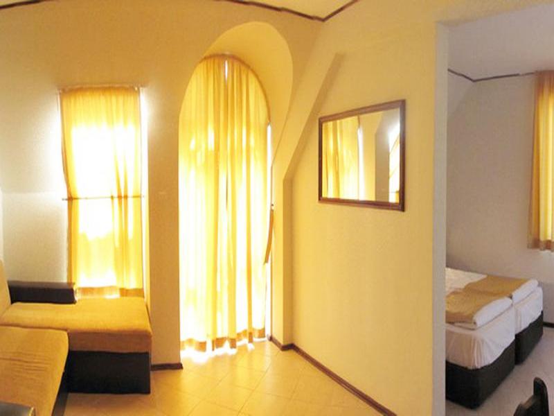 8-ми март в хотел Амбарица, Горна Оряховица! 1 или 2 нощувки на човек със закуски и празнична вечеря + басейн с джакуси и релакс пакет, снимка 6
