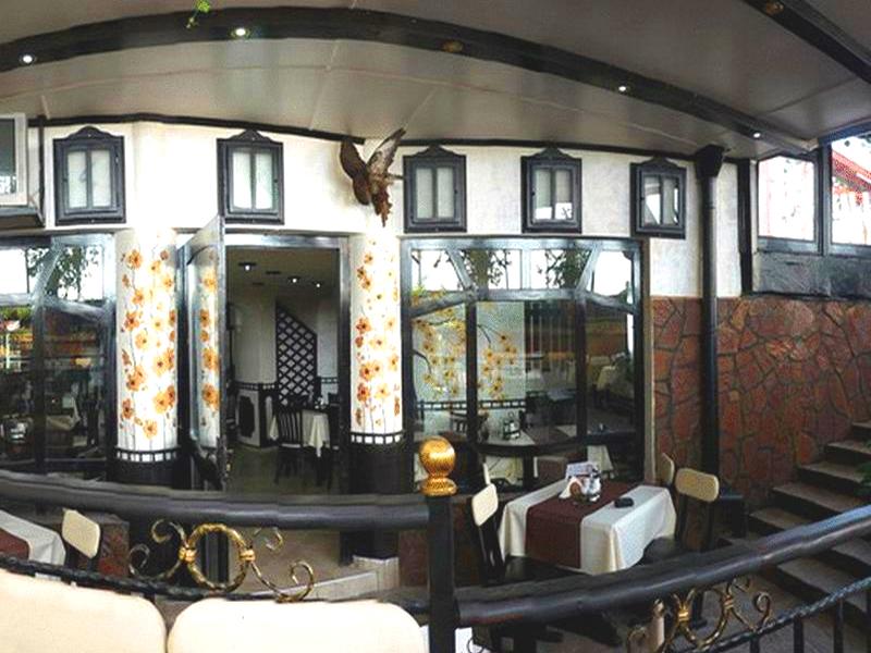 8-ми март в хотел Амбарица, Горна Оряховица! 1 или 2 нощувки на човек със закуски и празнична вечеря + басейн с джакуси и релакс пакет, снимка 7