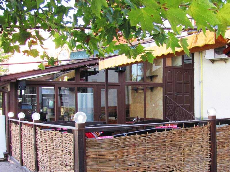 8-ми март в хотел Амбарица, Горна Оряховица! 1 или 2 нощувки на човек със закуски и празнична вечеря + басейн с джакуси и релакс пакет, снимка 12