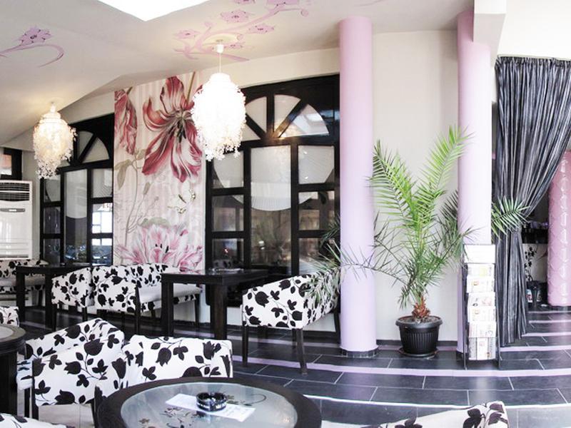 8-ми март в хотел Амбарица, Горна Оряховица! 1 или 2 нощувки на човек със закуски и празнична вечеря + басейн с джакуси и релакс пакет, снимка 9