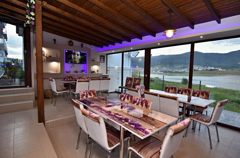 Нощувка на човек със закуска, обяд и вечеря в къща за гости Хисарски, Сърница, снимка 6