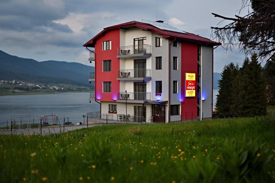 Нощувка на човек със закуска в Къща за гости Хисарски, Сърница, снимка 3