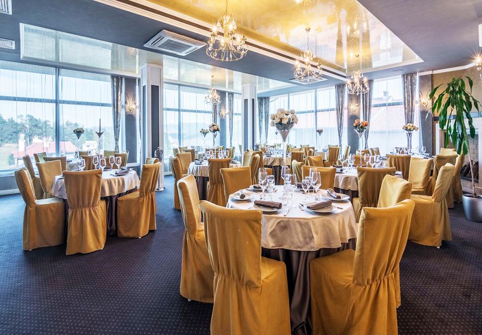 Нощувка, закуска и вечеря на човек + 2 басейна и релакс център в НОВООТКРИТИЯ хотел Каталина Ризорт****, Цигов чарк, снимка 13