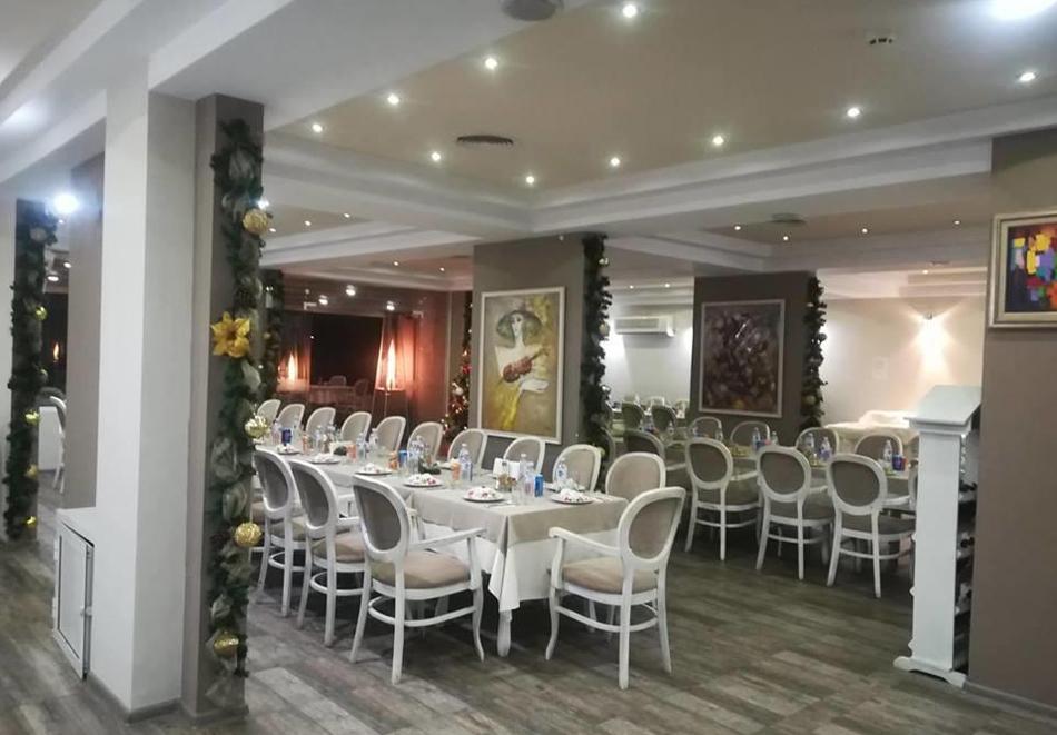 Нощувка със закуска, вечеря* на човек + вътрешен минеранел басейн и сауна в хотел Панорама*** , Сандански, снимка 5