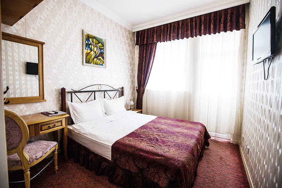 Нощувка на човек със закуска в Бутик хотел Бехи, Кърджали, снимка 6