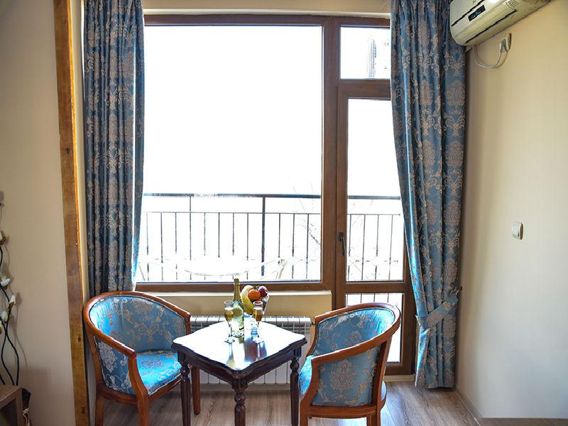 Нощувка на човек със закуска в хотел Лъки, Велико Търново, снимка 8