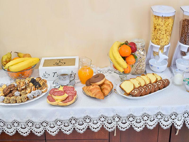 Нощувка на човек със закуска в хотел Лъки, Велико Търново, снимка 9