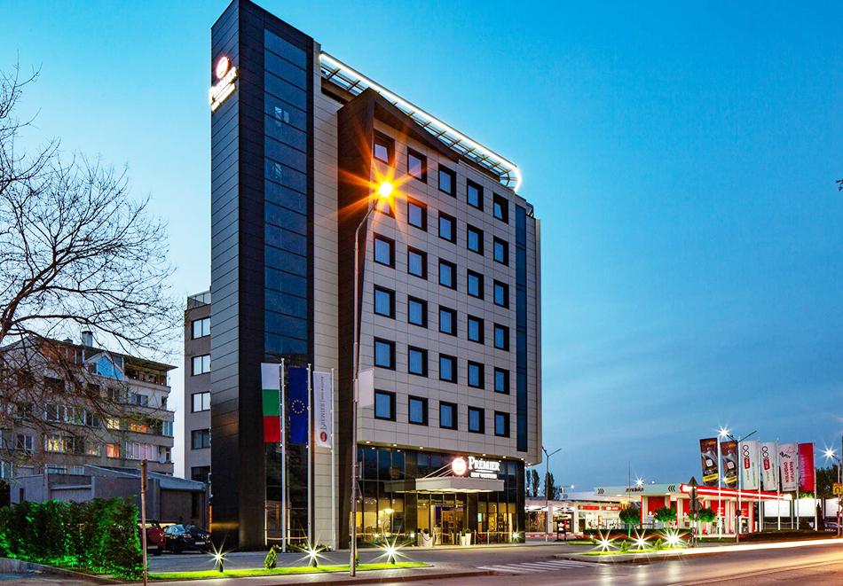 Нова година в Пловдив! Нощувка на човек + празнична вечеря с неограничена консумация на напитки и брънч от хотел Бест Уестърн Премиер****, снимка 2