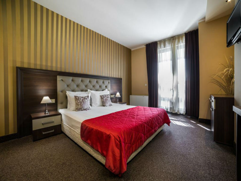 Нощувка на човек със закуска само за 41 лв. в Бизнес хотел Пловдив, снимка 3