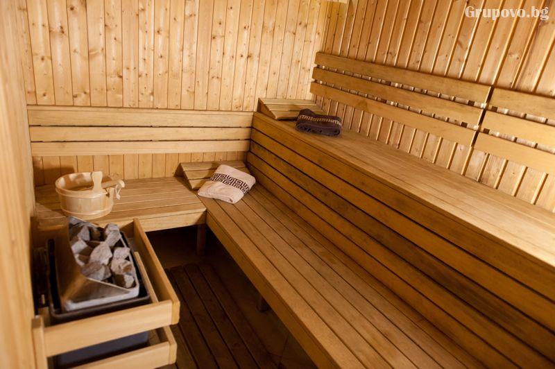 Нощувка на човек със закуска и вечеря + минерален басейн и релакс зона от хотел Астрея, Хисаря, снимка 6
