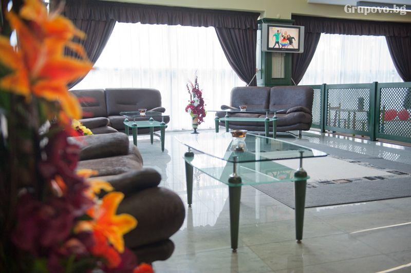 Нощувка на човек със закуска и вечеря + минерален басейн и релакс зона от хотел Астрея, Хисаря, снимка 4