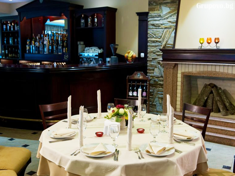 Нощувка на човек със закуска и вечеря + минерален басейн и релакс зона от хотел Астрея, Хисаря, снимка 17