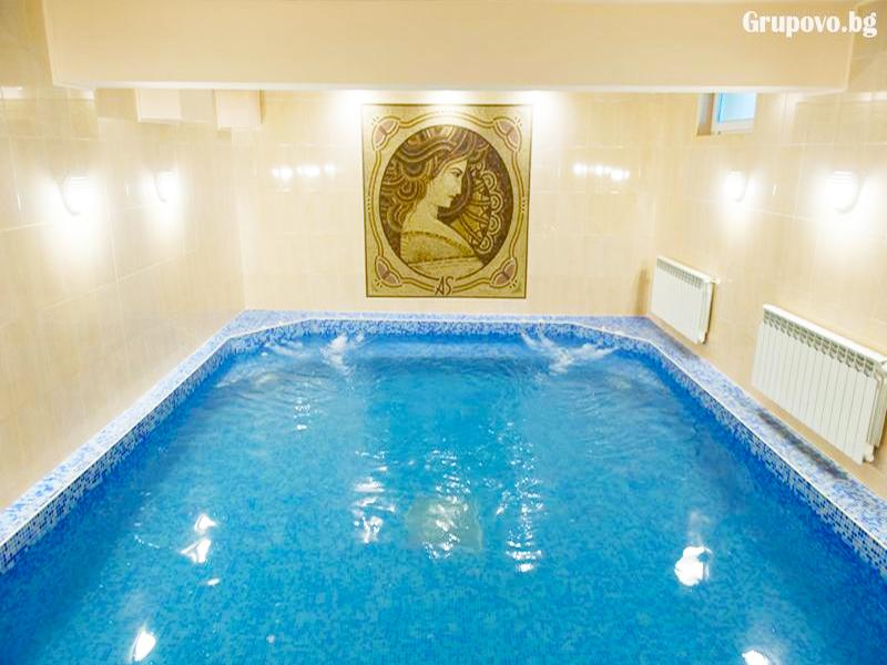 Нощувка на човек със закуска и вечеря + минерален басейн и релакс зона от хотел Астрея, Хисаря, снимка 5