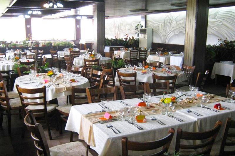Нощувка на човек + изхранване по избор: закуска, обяд и вечеря от хотел Нептун к.к. Константин и Елена. Дете до 12 г. БЕЗПЛАТНО!, снимка 4