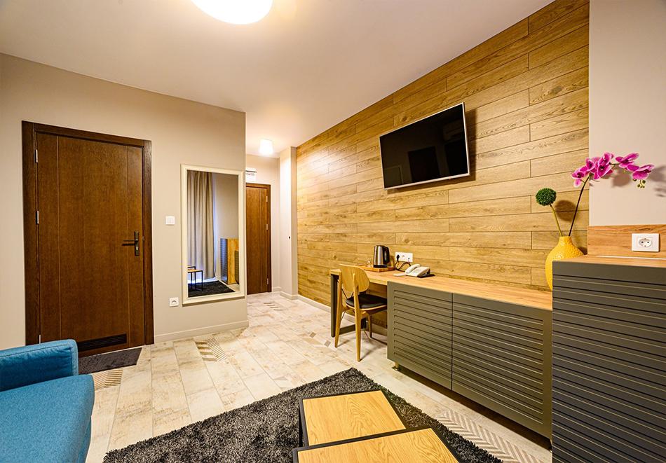 2 или 3 нощувки на човек със закуски и вечери с напитки + ТОПЪЛ басейн и релакс зона от хотел Антик, Павел Баня, снимка 14