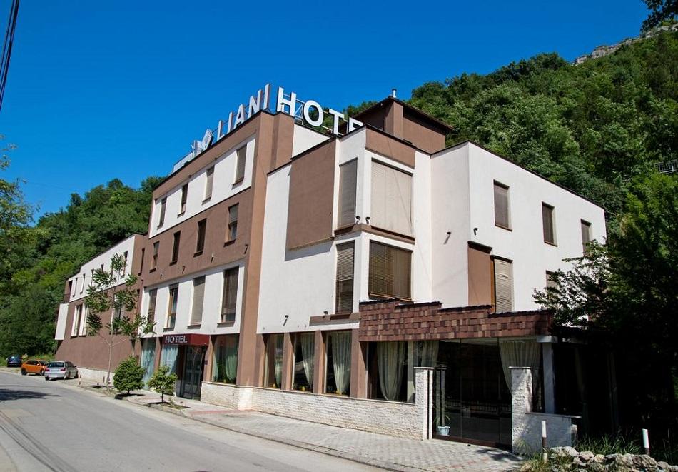 Хотел Лиани, Ловеч