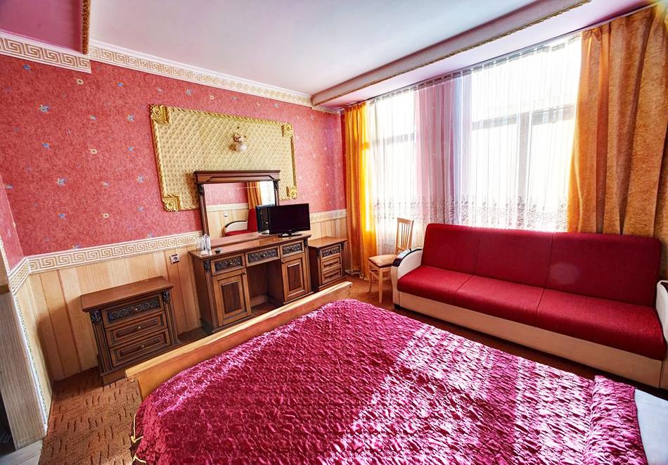 Нощувка със закуска на човек в хотелски комплекс Извора, гр. Русе, снимка 4