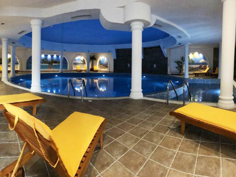Нощувка на човек със закуска + басейн и сауна в Парк хотел Панорама, Банско, снимка 6