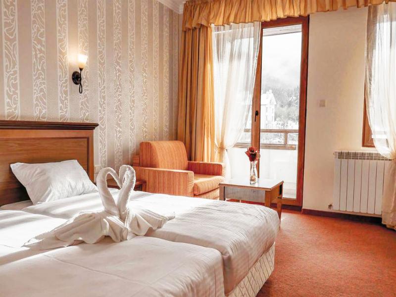 Нощувка на човек със закуска + басейн и сауна в Парк хотел Панорама, Банско, снимка 10