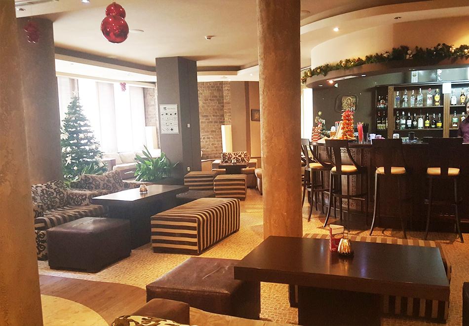 Великден в Банско! Нощувка на човек със закуска и вечеря + празничен обяд + басейн и релакс пакет в хотел Марая****, снимка 11