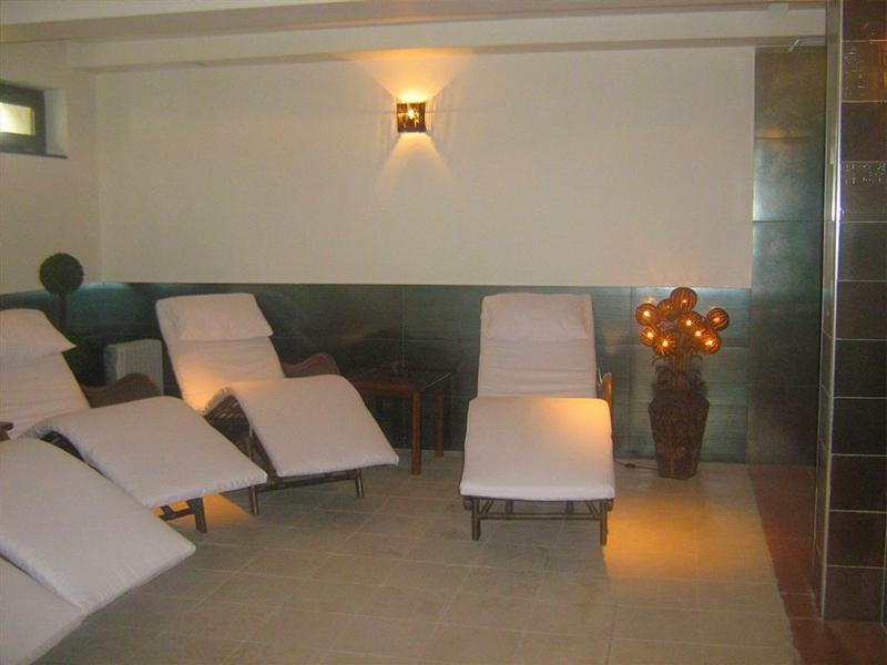2+ нощувки със закуски за двама или за цялото семейство от Бутиков хотел Офир, Сандански, снимка 7