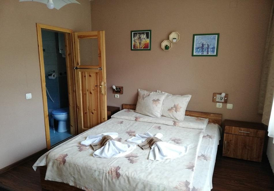 Нощувка или нощувка със закуска на човек в къща за гости Цопанов, Велинград, снимка 6