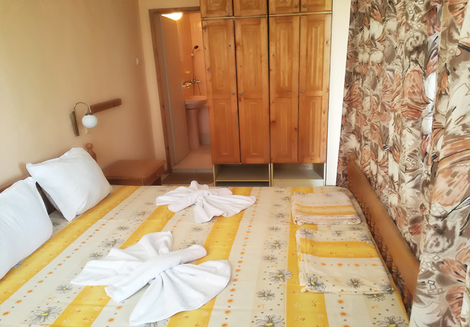 Нощувка на човек в хотел Невен, Кранево, снимка 6