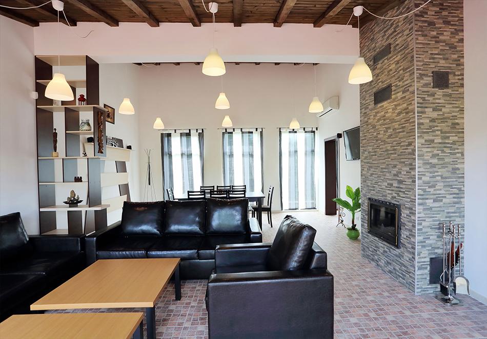 Почивка до Плевен! Наем на луксозна къща за до 16 човека + барбекю от Къща Чудна, село Бресте, Червен бряг, снимка 7