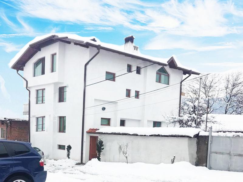 Къща за гости Байракови, Добринище