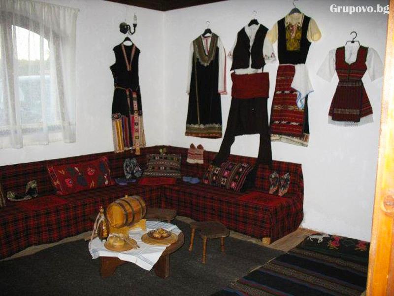 Юни до Приморско! 2 + нощувки на човек със закуски и вечери + басейн в Етнографски комплекс Чифлика, снимка 13