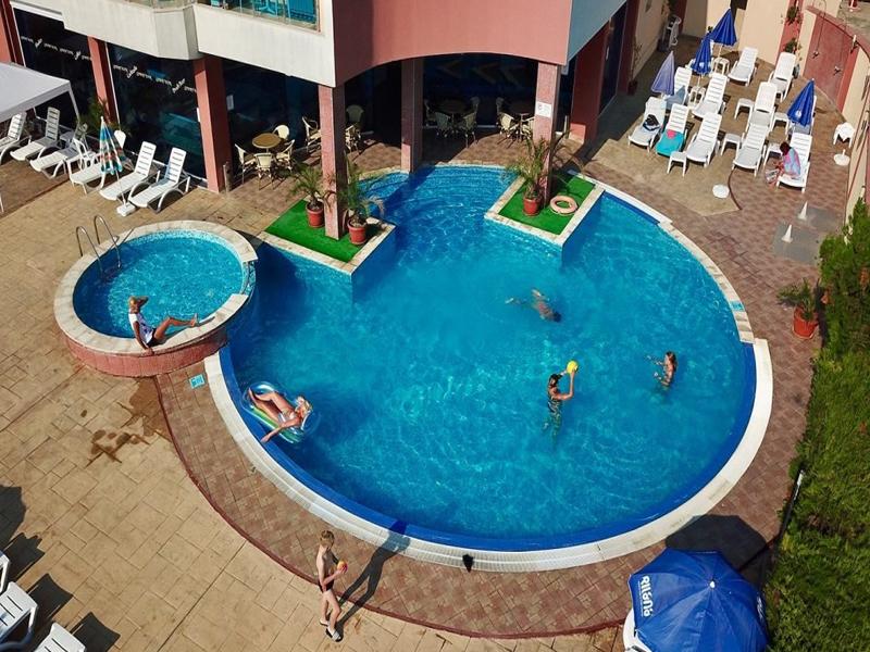 Уикенд в Слънчев Бряг! 2 нощувки на човек със закуски и вечери + басейн в хотел Есперанто, снимка 4