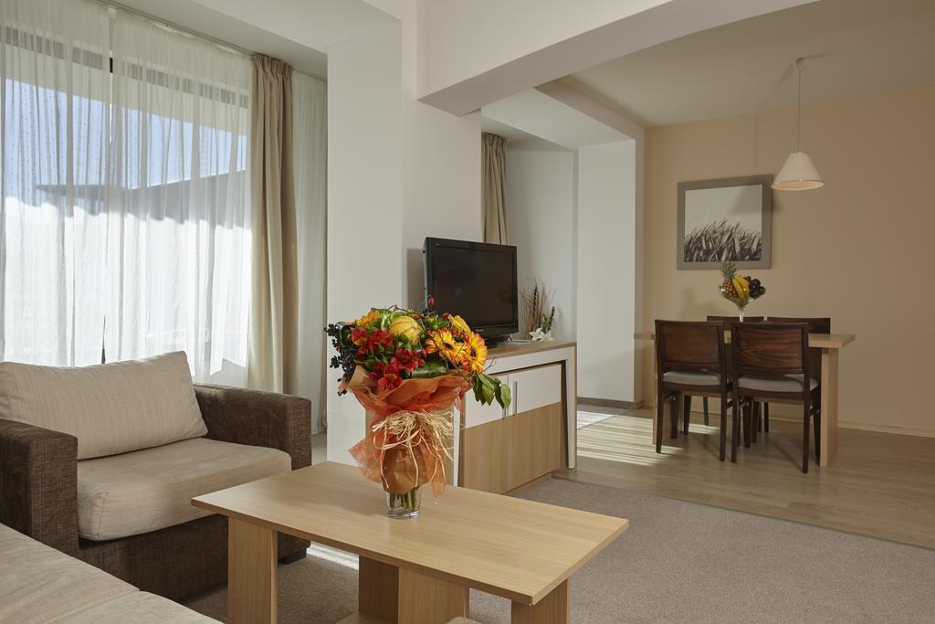 СПА офис в хотел Белчин Гардън****, Белчин Баня! 3 или 4 нощувки със закуски на човек + минерален басейн и СПА пакет, снимка 9
