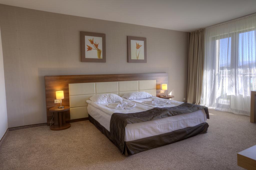 СПА офис в хотел Белчин Гардън****, Белчин Баня! 3 или 4 нощувки със закуски на човек + минерален басейн и СПА пакет, снимка 11