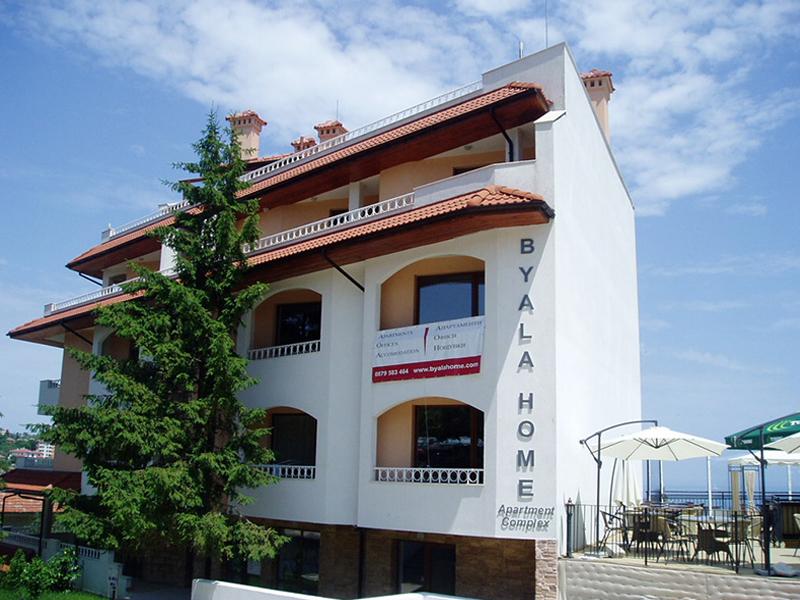 Апартаментен комплекс Бяла хоум, град Бяла