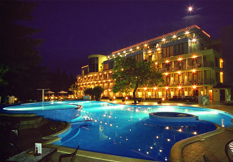 Нощувка на човек на база All inclusive + басейн в хотел Корал****, Св. Св. Константин и Елена. Дете до 14 - БЕЗПЛАТНО, снимка 5