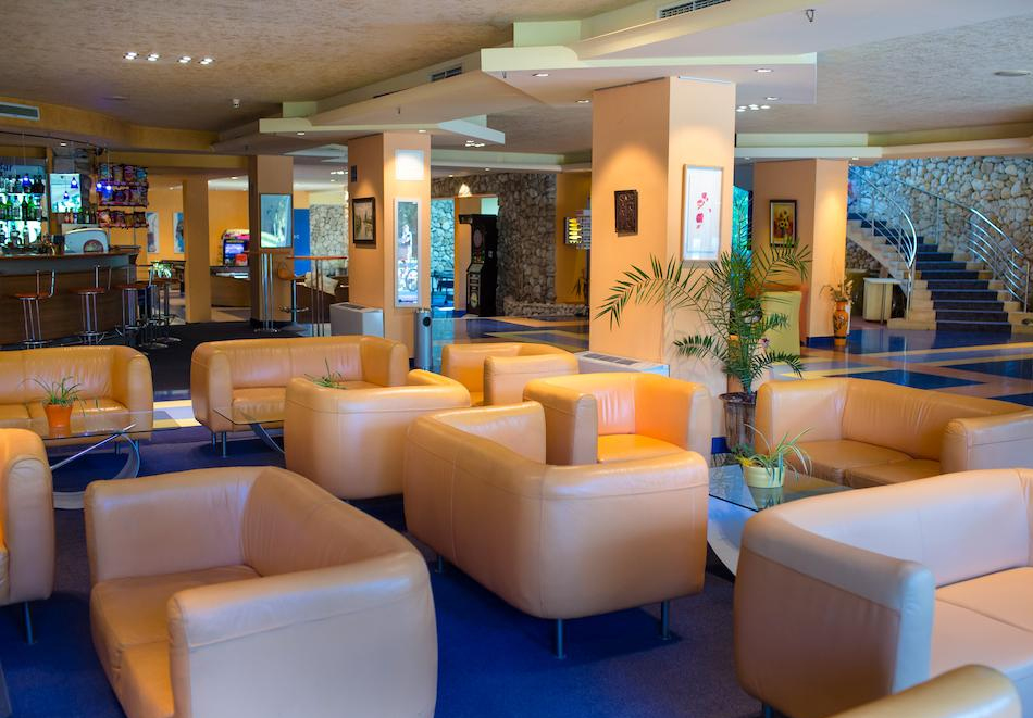 Нощувка на човек на база All inclusive + басейн в хотел Корал****, Св. Св. Константин и Елена. Дете до 14 - БЕЗПЛАТНО, снимка 9