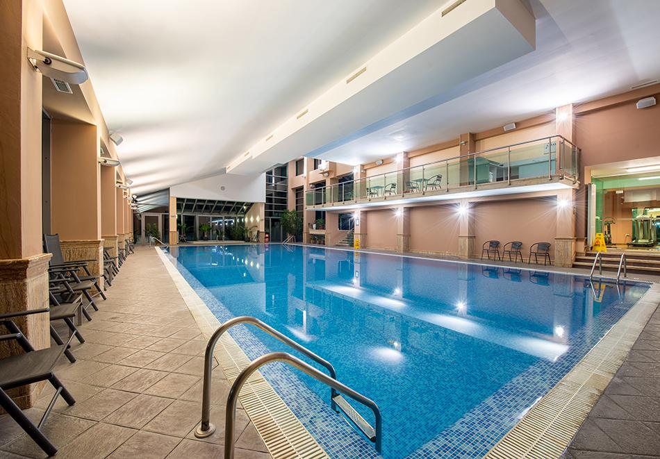 Делник във Велинград! Нощувка на човек със закуска + 2 минерални басейна и СПА пакет в хотел Велина****, снимка 3