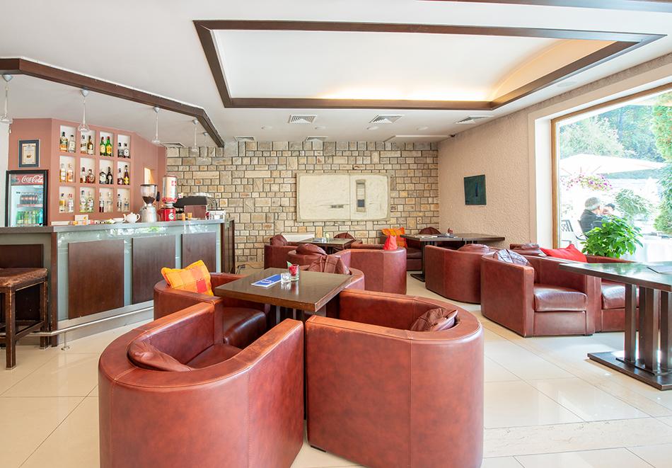 Делник във Велинград! Нощувка на човек със закуска + 2 минерални басейна и СПА пакет в хотел Велина****, снимка 24