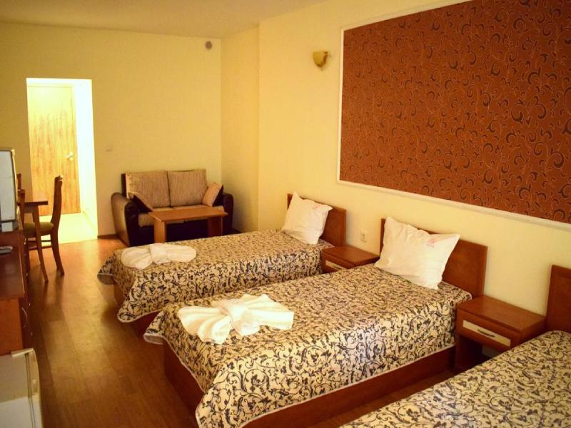 Нощувка на човек на база All inclusive + басейн в хотел Риор, Слънчев бряг. Дете до 12г. – БЕЗПЛАТНО!, снимка 5