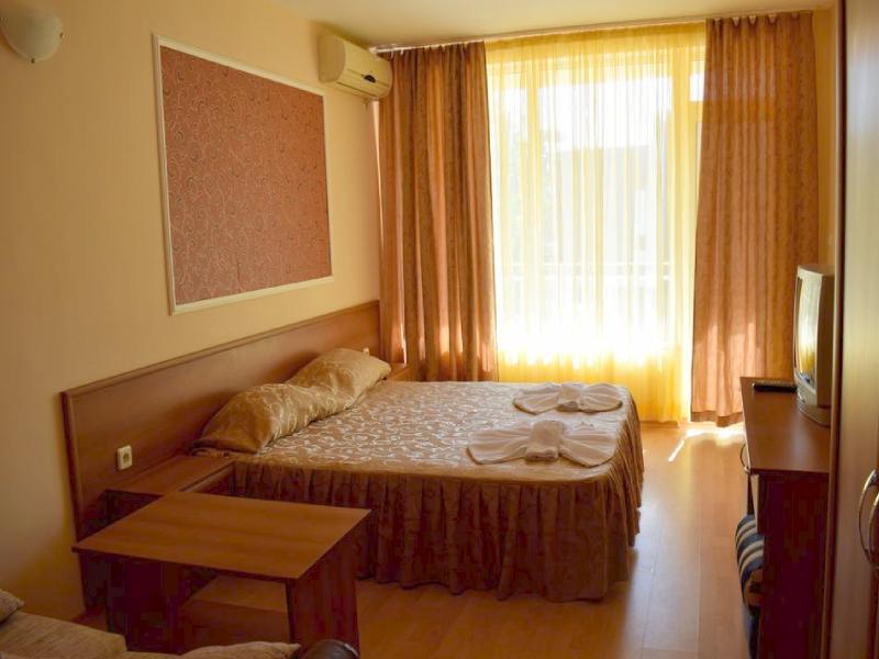 Нощувка на човек на база All inclusive + басейн в хотел Риор, Слънчев бряг. Дете до 12г. – БЕЗПЛАТНО!, снимка 7