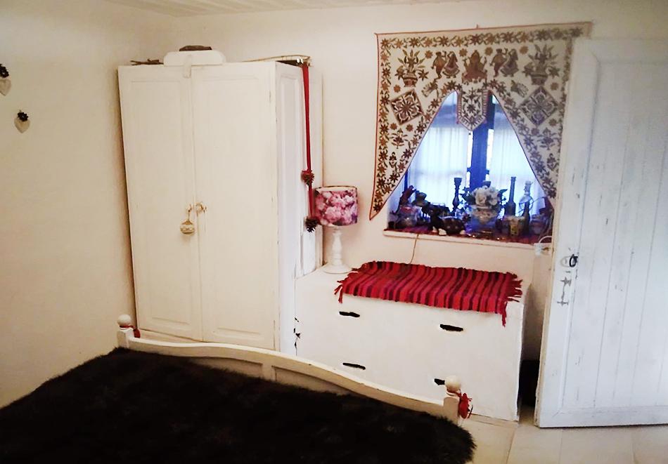 1 нощувка за 6 човека в самостоятелна къща от къща Дими, Лещен, снимка 4